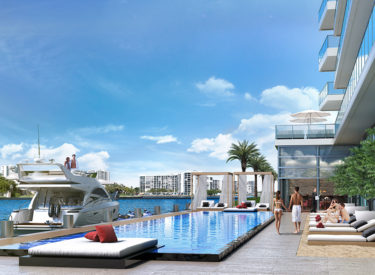 Hyde Beach House condos for sala